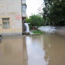 Ливень в Запорожье: улицы превратились в реки (ФОТО)