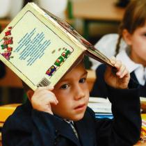 Первоклассников будут учить разговорному английскому и основам геометрии