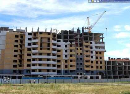 Кернес собирается строить дома для коммунальщиков