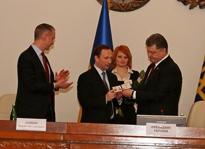 Президент Украины Петр Порошенко представил нового губернатора Харьковщины