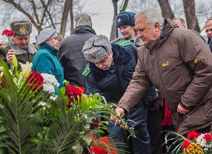 В Харькове почтили память погибших в Афганистане: молебен и возложение цветов