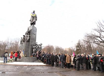 Харьков почтил память Героев Небесной Сотни (ФОТО)