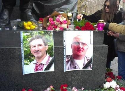 Харьков почтил память погибших в теракте минутой молчания (ФОТО)