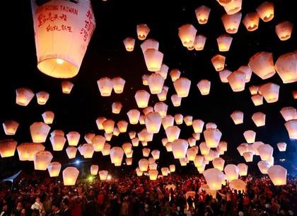 Сегодня – праздник китайских фонариков
