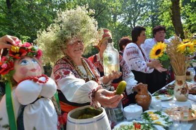 Этномузыка, казацкие бои и лазерное шоу: изюминки Ивана Купала в Сковородиновке (Программа)
