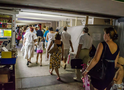 Кернес запретил строить киоски в переходе станции метро «Индустриальная»