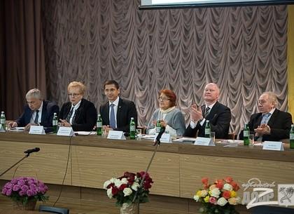 Новые исследования и открытие клиники: в Харькове обсудили как помочь людям с редкими заболеваниями