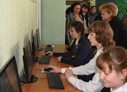 В школе №49 открылся компьютерный класс