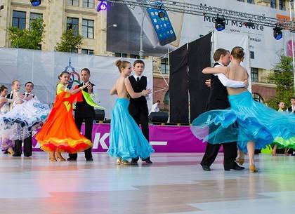 Традиционный фестиваль бальных танцев пройдет в парке Горького