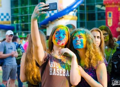 В парке Горького пройдет фестиваль красок Холи: программа