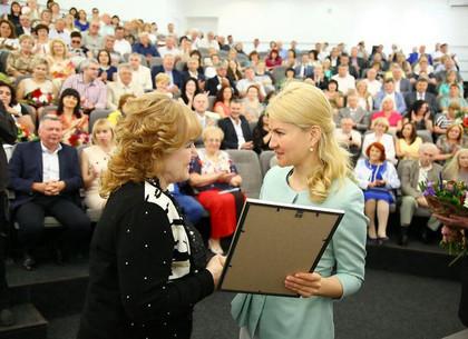Руководитель ХОГА отметила лучших медработников Харьковщины (ФОТО)