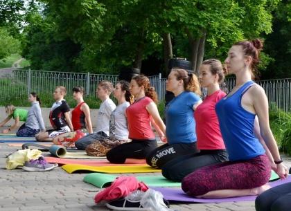 Неделя йоги на свежем воздухе ожидает харьковчан
