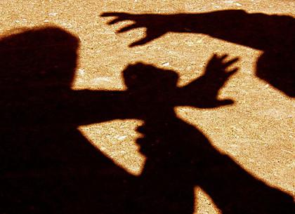 В Харькове грабитель напал на женщину средь бела дня