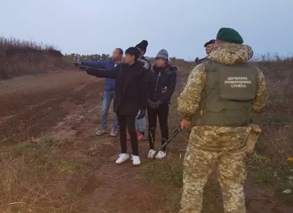 «Путешественники» из Вьетнама незаконно пробрались на Харьковщину