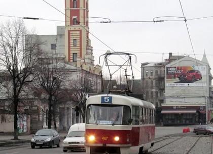 Начало Московского проспекта закрыто для транспорта: как ходят трамваи