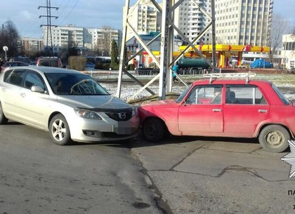 На Гагарина напротив «Роста» столкнулись автомобили (ФОТО)