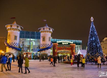 В парке Горького продолжают отмечать Новый год: программа