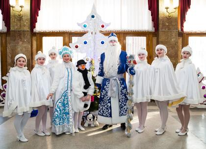 Школьники и дошкольники Новобаварского района побывали в сказке