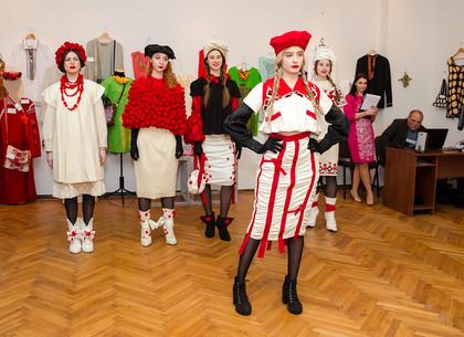 В Харькове открылась выставка одежды в этно-стиле «Динамика традиции»