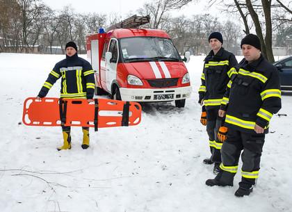 Харьковские спасатели взялись за любителей подледного лова