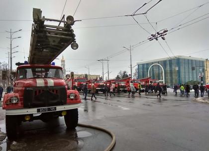 В центре Харькова тушили масштабный пожар (ФОТО, ВИДЕО)