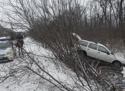 На Салтовском шоссе Ford вылетел в кювет
