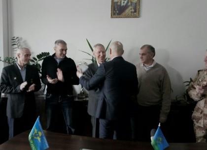 Старейшему десантнику Харькова вручили орден