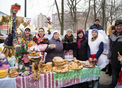 В Новобаварском районе отпраздновали Масленицу