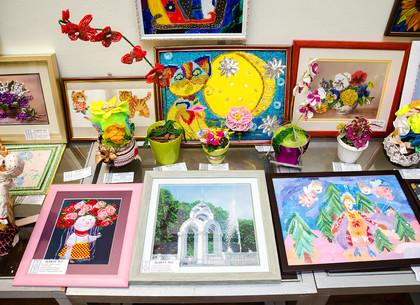 Выставка работ юных талантов проходит в Харькове