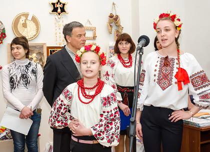 Юные харьковчане похвастались владением традиционными ремеслами