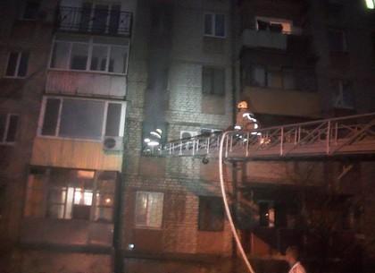 Шевченковский район: во время пожара в жилом 5-этажном доме спасены 4 человека (ФОТО)