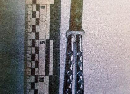 17-летний парень ударил несовершеннолетнюю знакомую ножом