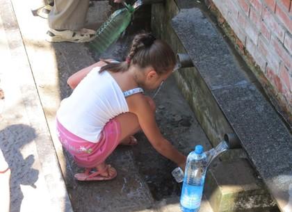 Специалисты проверили качество воды в источниках Харькова