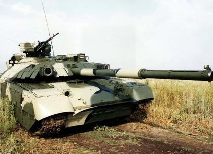 В Харькове создали вышитый танк (ФОТО)