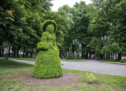 Зеленая девушка появилась в Харькове