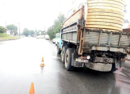 На Рогани грузовик врезался в маршрутку: пострадали пассажиры (ФОТО)