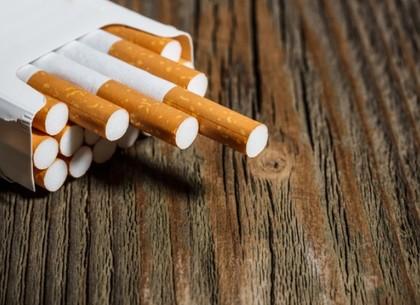 В Украине начали действовать новые образцы акцизных марок для табачных изделий