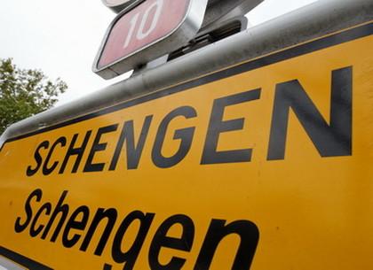 Украинцам придется заполнять анкету и платить пошлину для въезда в Шенген