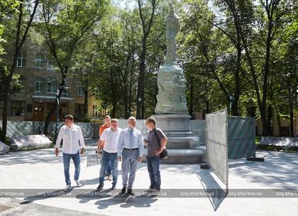 Стало известно, когда откроют памятник Людмиле Гурченко