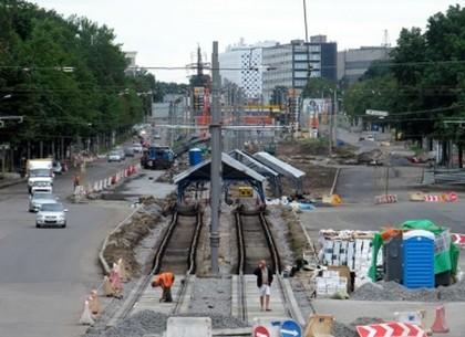 Геннадий Кернес: Мы не просто ремонтируем дороги, мы возрождаем инфраструктуру под ними