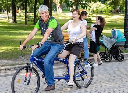 В воскресенье на площади Свободы стартует всеукраинский велопробег среди незрячих