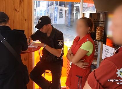 Операция «Шаурма»: фастфуды на Леваде и Коммунальном рынке не прошли проверку полиции (ВИДЕО, ФОТО)