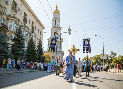 В Харькове состоялся Успенский крестный ход