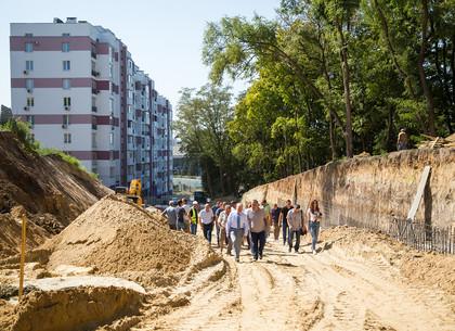 Игорь Терехов проинспектировал ход выполнения работ на трех масштабных объектах строительства в Харькове