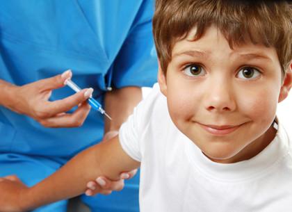 В Харькове запретят детям без прививок посещать садики и школы: указ МОЗ и Минобразования
