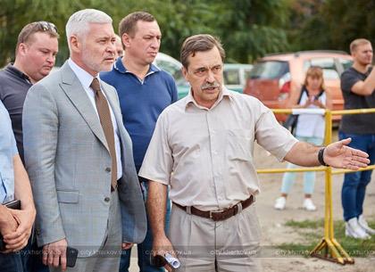 Первый вице-мэр Игорь Терехов проинспектировал магистрали «ХТС», на  которых ведется замена труб