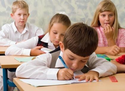 Новые саннормы для школ: улучшение питания, сокращение домашки, игры до 4 класса и современные технологии