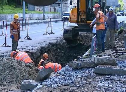 В Харькове выполняется замена сетей ливневой канализации и дождеприемников