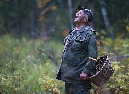 Полицейские оперативно нашли грибника, потерявшегося в лесу на Харьковщине