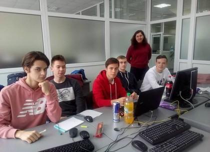Харьковчане уверенно отстояли звание лидеров по информатике (ФОТО)
